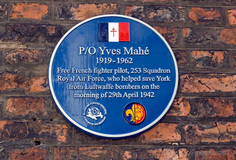 Yves Mahe Blue Plaque