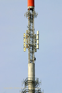 KPN_Broadcast-tower_GOES_20070222_CRW_7329_RT8_WVB_1200px