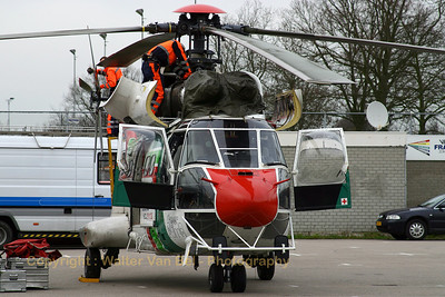 HELOG_AS-332C1-Super-Puma_D-HLOG_GOES_20070222_CRW_7463_RT8_WVB_1200px