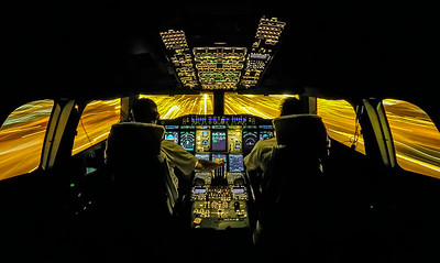 A380-861 night approach