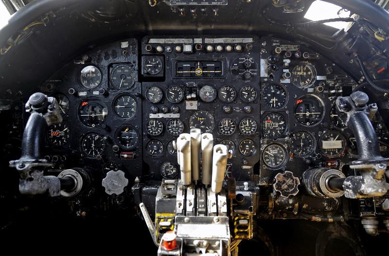 Avro Vulcan B2 XJ823, Solway Aviation Museum, Carlisle airport, Sat 15 September 2012 12.
