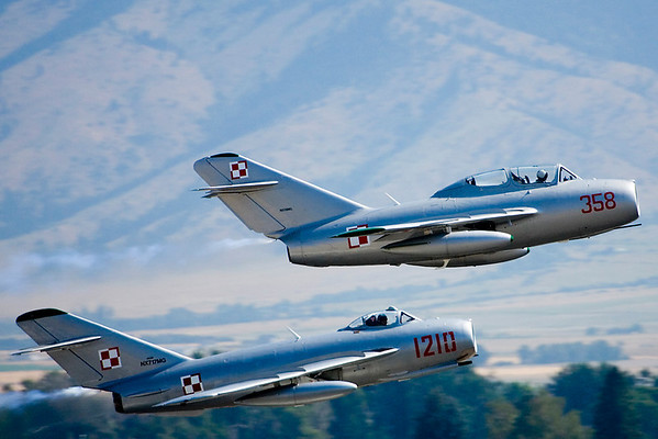 MiG Fury's MiG aircraft take off.<br /> The MiG-15 UTI is on the right and above; the MiG-17 below.