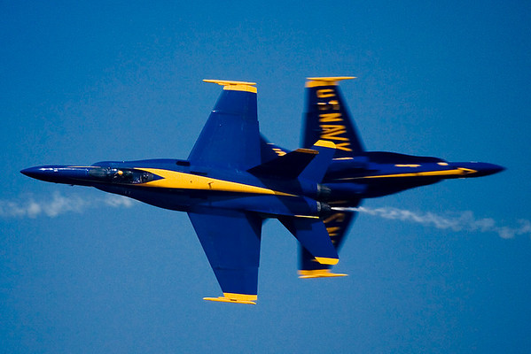 One of several head-to-head passes in the Blue Angels' performance.
