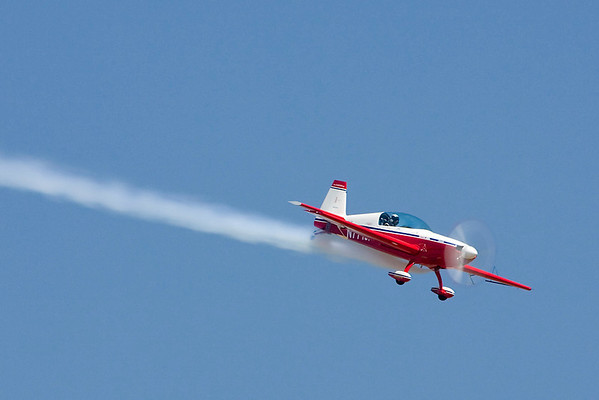 Jim Pietz in his Extra 300L.