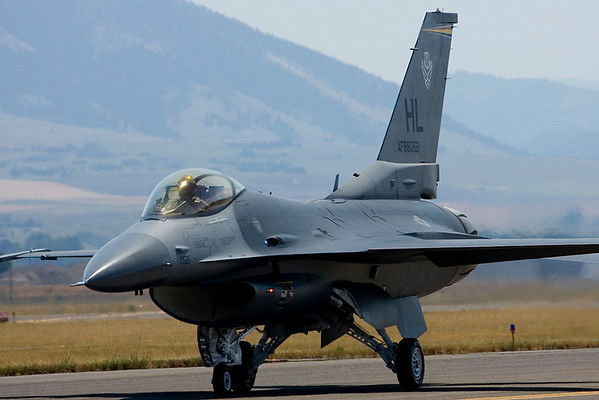 The show's Air Force F-16 Fighting Falcon demonstration was performed by the Viper West Demo Team based at Hill AFB, UT.