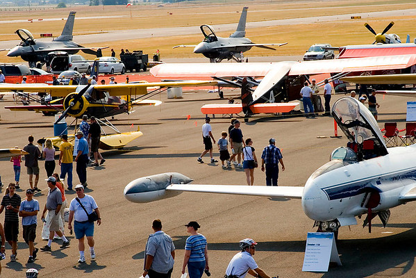 I was very impressed with the civilian aircraft on static.  Flight Systems displayed three classic jets from the '50s:  a T-33, F-86, and an F-100.  There were also a number of gorgeously restored vintage aircraft from the 1930's era, including a WACO, Travel AIR,  and a Fleet.