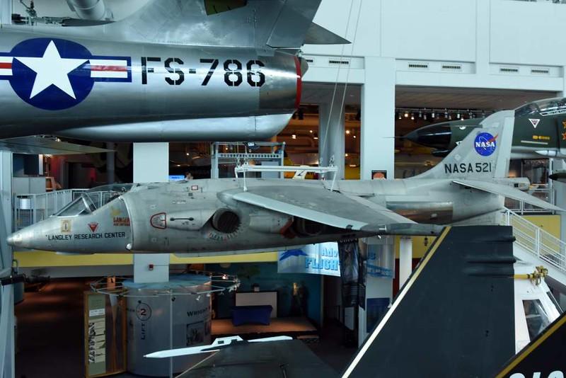 Hawker Siddeley XV-6A (P1127) Kestrel 64-18263 (NASA 521), Virginia air and space museum, Hampton, Virginia, 18 May 2017.  The other Kestrel FGA.1 transferred to NASA.