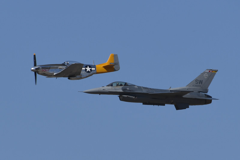 P-51 and F-16 Hertitage Flight - California Capital Airshow 2016