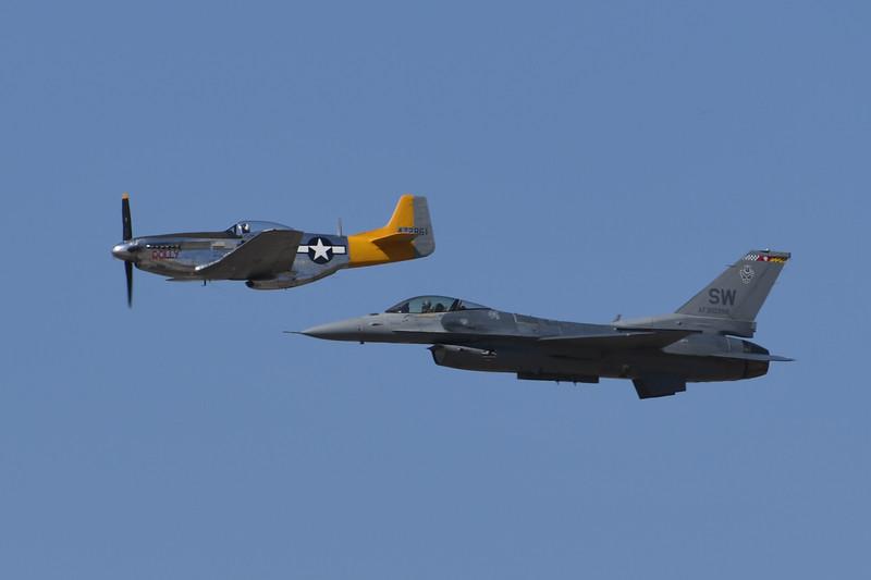 P-51 and F-16 Hertitage Flight - California Capital Airshow 2016