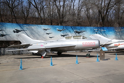 Shenyang JJ-6, supersonic 2-seat trainer (based on Mig-19 'Farmer'), 56002, China Aviation Museum, Datangshan - 26/03/17.