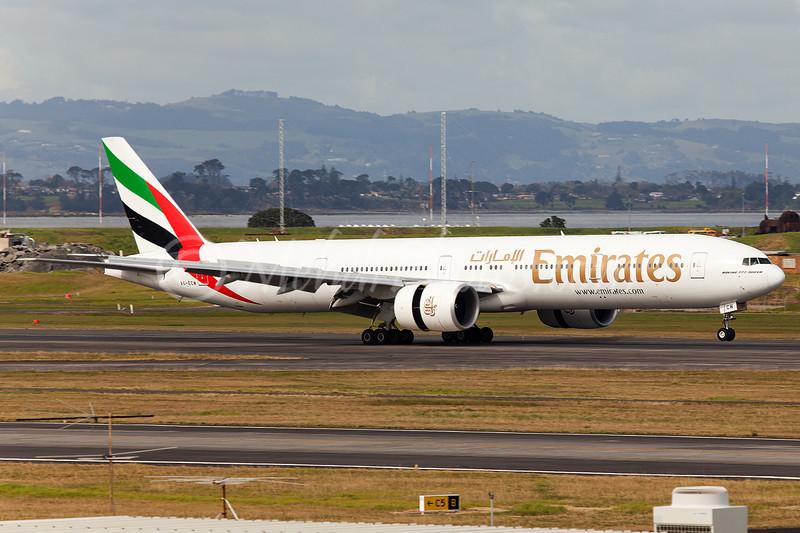 EK arriving on RWY 23L from DXB (Dubai) via BNE (Brisbane).