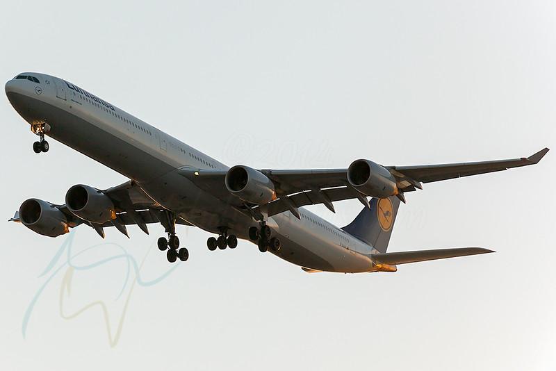 LH D-AIHY A346