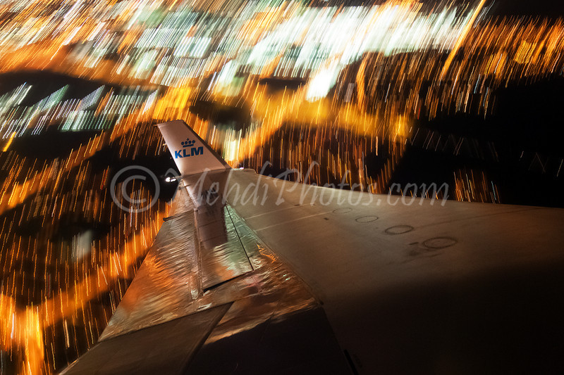 Taken handheld onboard KL696 (PH-KCB) over Toronto.