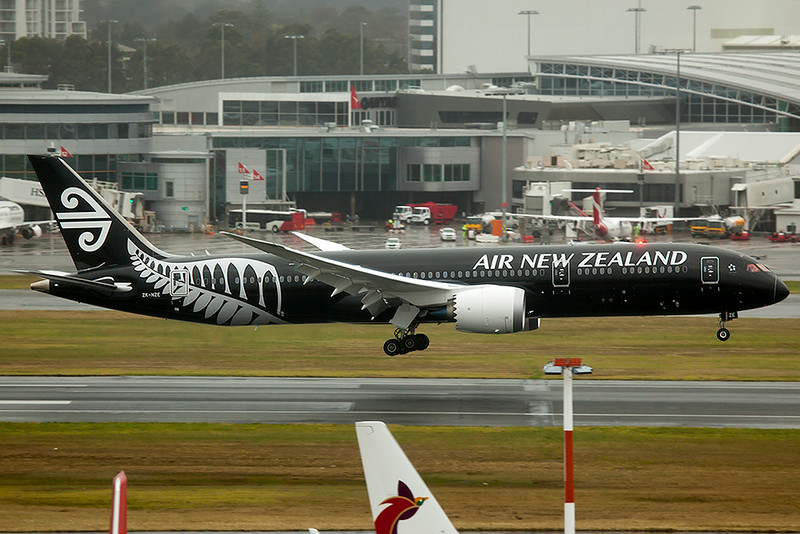 Air New Zealand Boeing 787-9 Dreamliner ZK-NZE