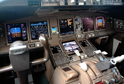 Air India 777 cockpit, Farnborough 2008