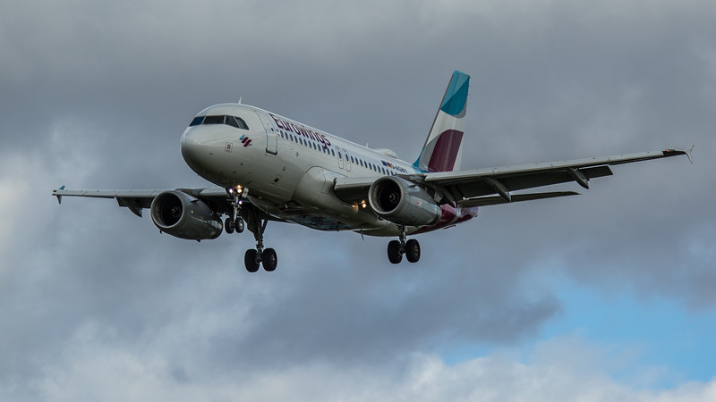Eurowings - Airbus A319-132 (D-AGWY) - Heathrow Airport (March 2020)