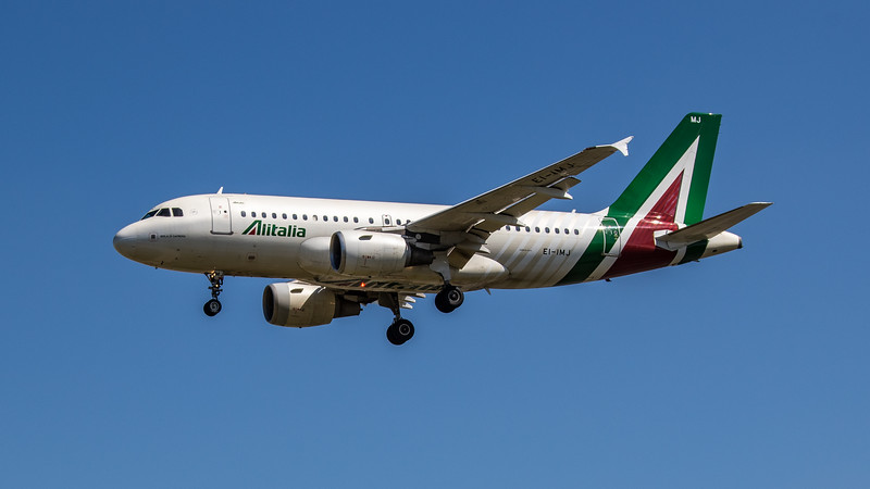 Alitalia - Airbus A319-112 (EI-IMJ) - Heathrow Airport (June 2021)
