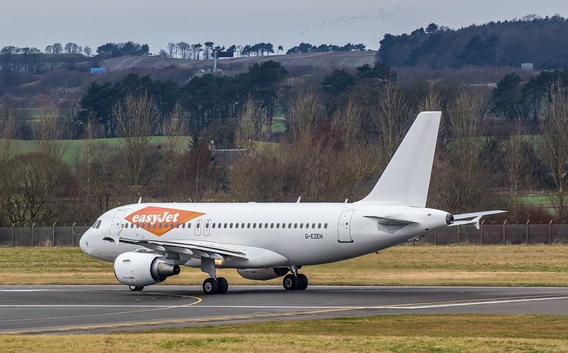 easyJet - Airbus A319-111 (G-EZEH) - Edinburgh Airport (January 2020)