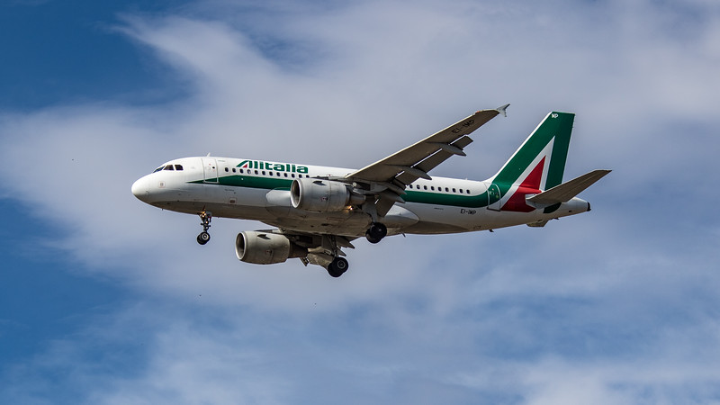 Alitalia - Airbus A319-111 (EI-IMP) - Heathrow Airport (July 2020)