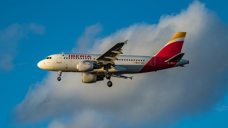 Iberia - Airbus A319-111 (EC-KOY) - Heathrow Airport (March 2020)