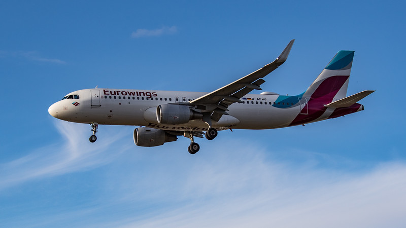 Eurowings - Airbus A320-214 (D-AEWG) - Heathrow Airport (August 2020)