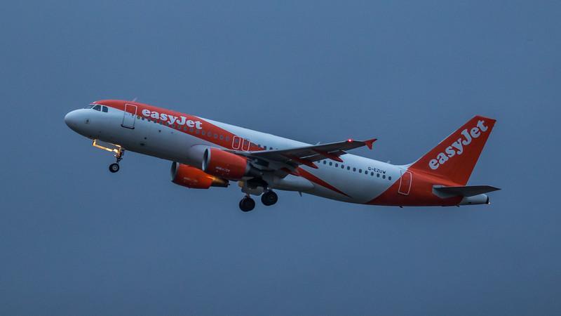 easyJet - Airbus A320-214 (G-EZUW) - Edinburgh Airport (March 2020)