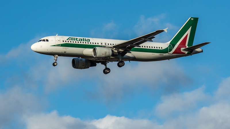 Alitalia - Airbus A320-214 (I-BIKI) - Heathrow Airport (March 2020)