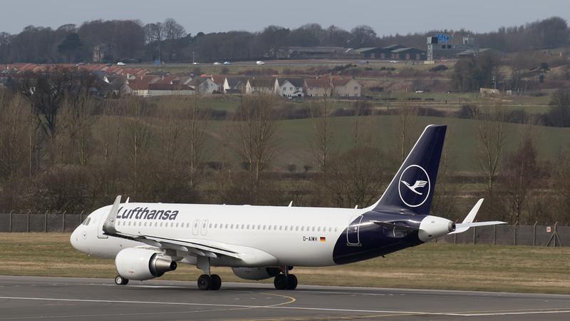 Lufthansa - Airbus A320-214 (D-AIWH) - Edinburgh Airport (March 2020)