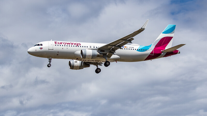 Eurowings - Airbus A320-214 (D-AEWW) - Heathrow Airport (June 2020)