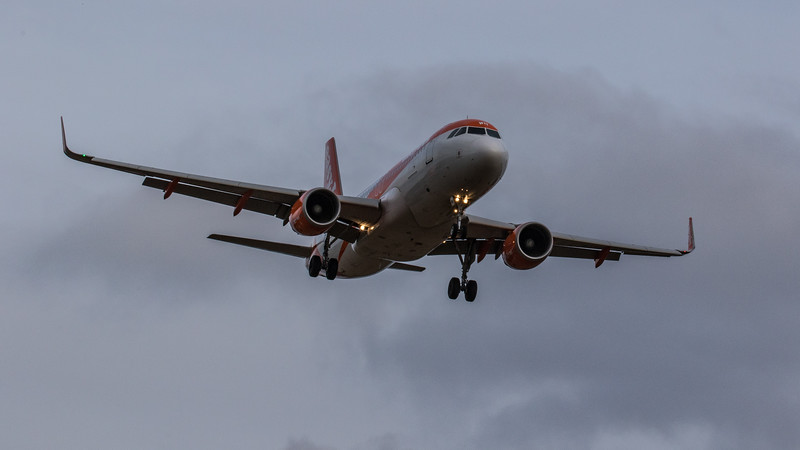 easyJet - Airbus A320-214 (G-EZWH) - Edinburgh Airport (January 2020)