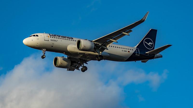 Lufthansa - Airbus A320-271N (D-AINR) - Heathrow Airport (March 2020)