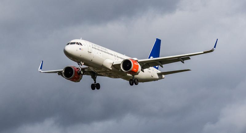 Scandinavian Airlines Ireland - Airbus A320-251N (EI-SIB) - Heathrow Airport (March 2019)