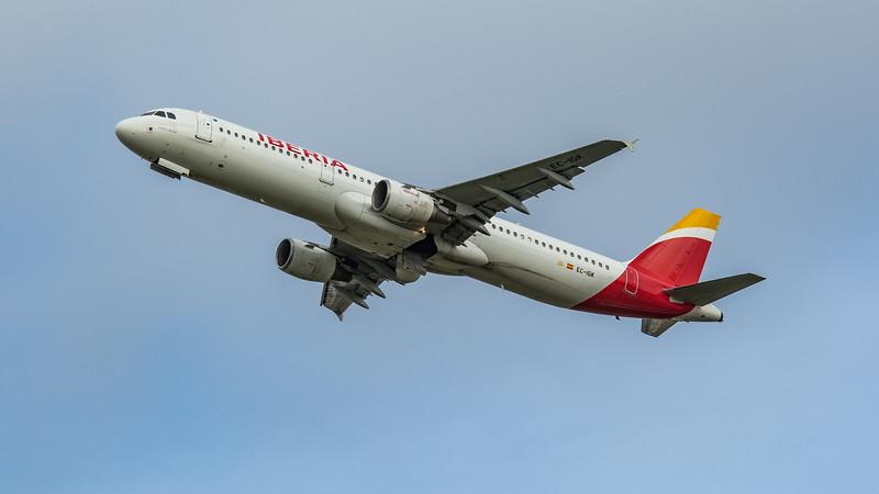Iberia - Airbus A321-213 (EC-IGK) - Heathrow Airport (March 2020)