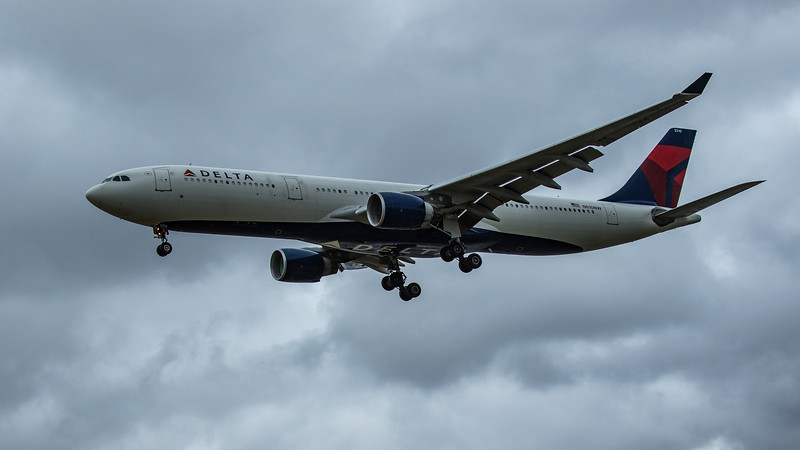 Delta Airlines - Airbus A330-323 (N810NW) - Heathrow Airport (June 2020)