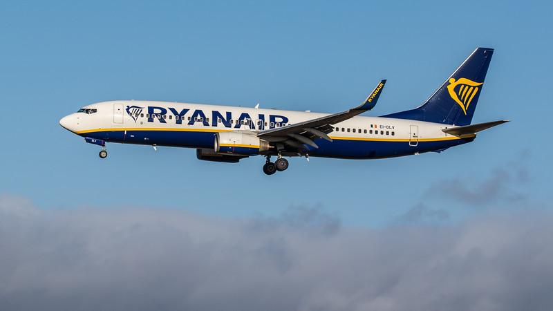 Ryanair - Boeing 737-8AS (EI-DLV) - Edinburgh Airport (February 2020)