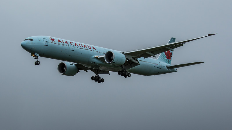Air Canada - Boeing 777-333(ER) (C-FNNW) - Heathrow Airport (February 2020)