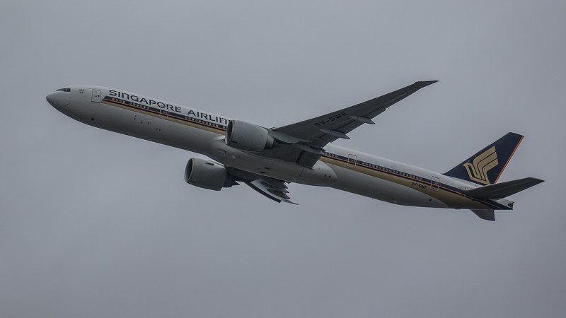 Singapore Airlines - Boeing 777-312(ER) (9V-SWE) - Heathrow Airport (February 2020)