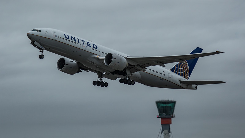 United Airlines - Boeing 777-224(ER) (N57016) - Heathrow Airport (March 2020)