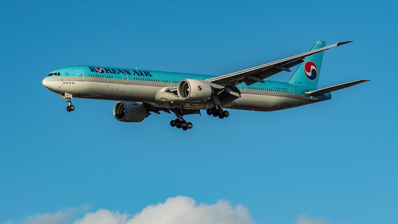 Korean Air - Boeing 777-3B5(ER) (HL7205) - Heathrow Airport (March 2020)
