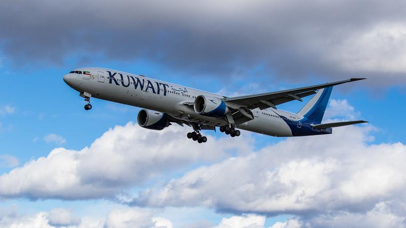 Kuwait Airways - Boeing 777-369(ER) (9K-AOD) - Heathrow Airport (March 2019)