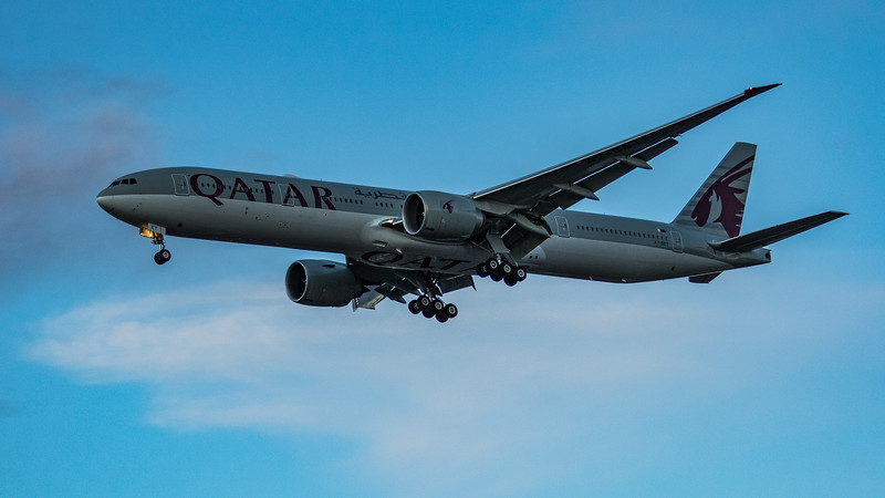 Qatar Airways - Boeing 777-3DZ(ER) (A7-BET) - Heathrow Airport (March 2020)
