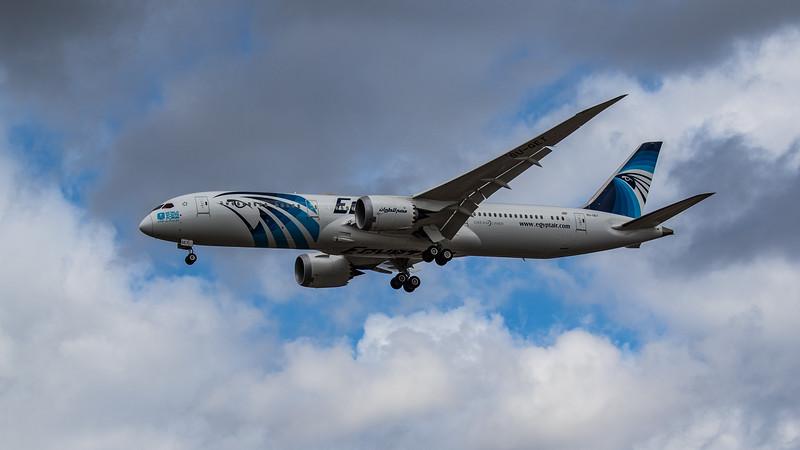 EgyptAir - Boeing 787-9 Dreamliner (SU-GET) - Heathrow Airport (August 2020)