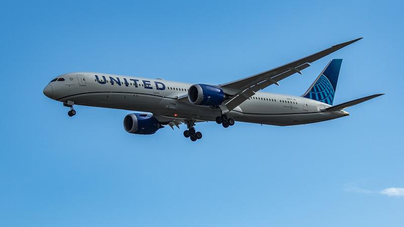 United Airlines - Boeing 787-10 Dreamliner (N12012) - Heathrow Airport (June 2020)