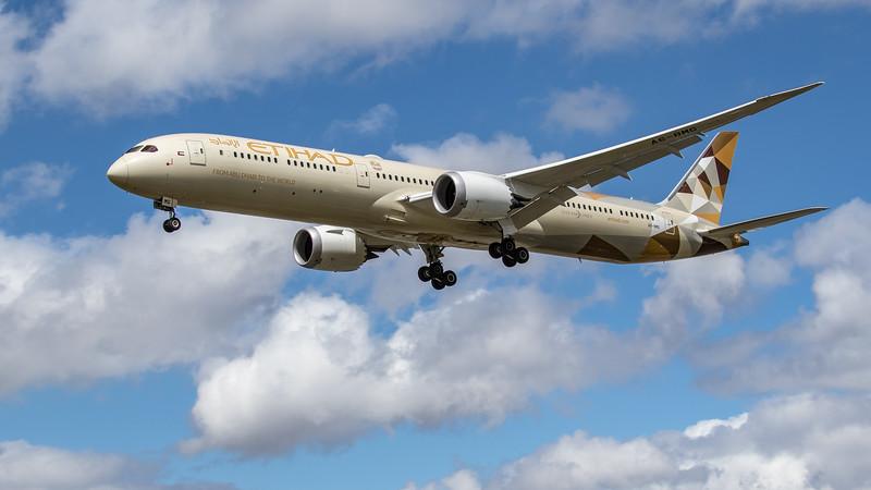Etihad - Boeing 787-10 Dreamliner (A6-BMG) - Heathrow Airport (June 2020)