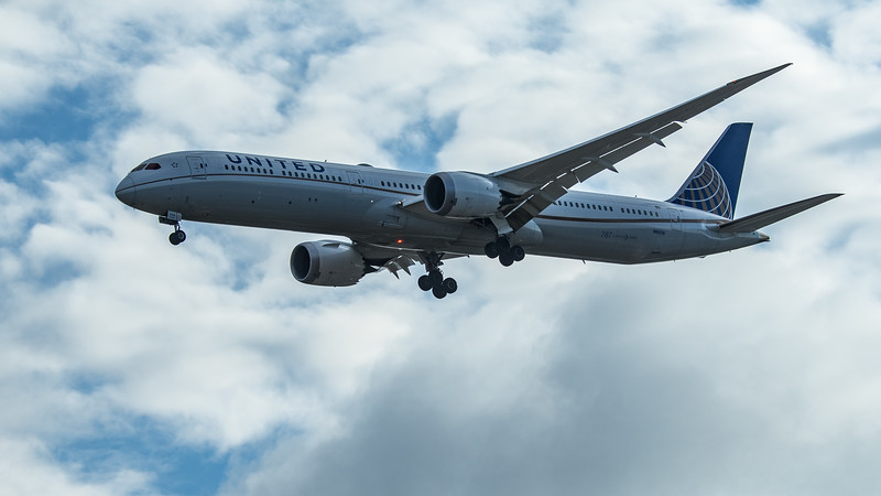 United Airlines - Boeing 787-10 Dreamliner (N16008) - Heathrow Airport (June 2020)