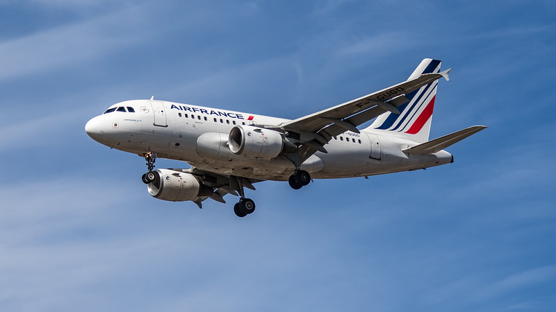 Air France - Airbus A318-111 (F-GUGD) - Heathrow Airport (July 2020)