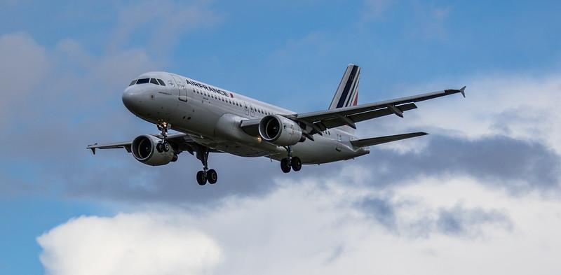 Air France - Airbus A320-214 (F-HEPD) - Heathrow Airport (March 2019)