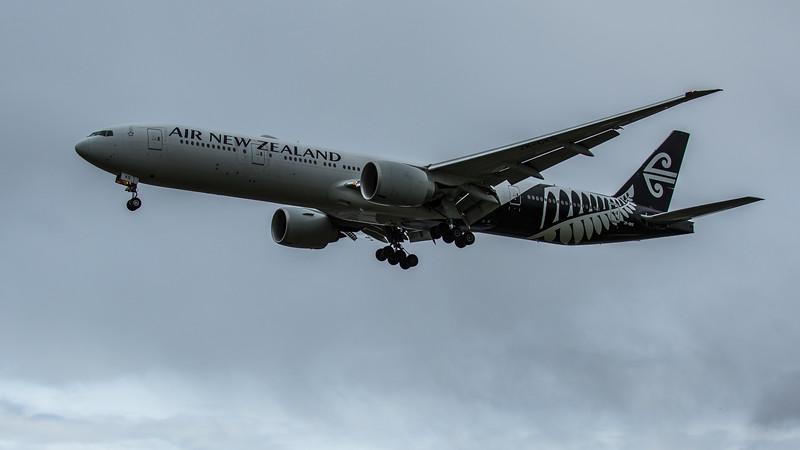 Air New Zealand - Boeing 777-319(ER) (ZK-OKS) - Heathrow Airport (February 2020)