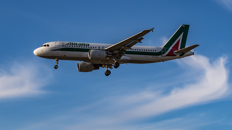 Alitalia - Airbus A320-216 (EI-DTN) - Heathrow Airport (August 2020)