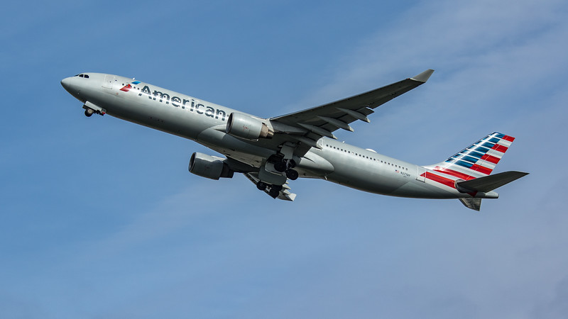 American Airlines - Airbus A330-323 (N277AY) - Heathrow Airport (March 2020)
